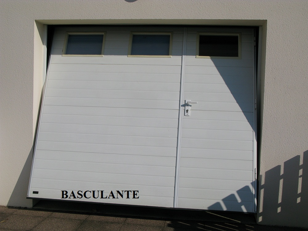 Dimension garage porte de garage basculante avec for Porte de garage sectionnelle harmonic avec portillon