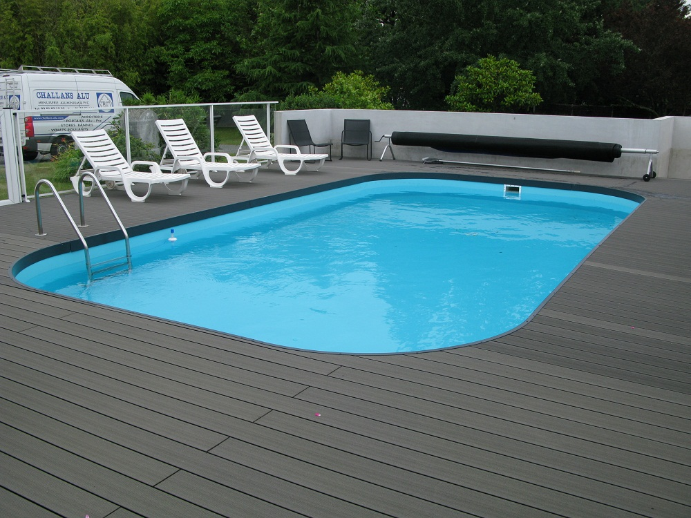 Terrasse composite piscine for Piscine bois composite